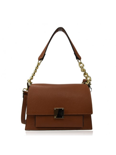 Woman leather bag with shoulder bag