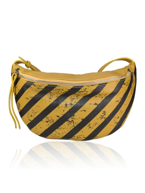 Woman leather pounch - OF32835