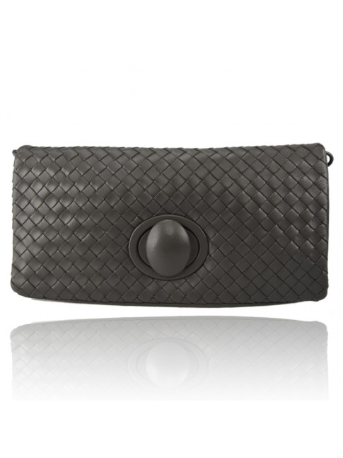 Woman woven leather clutch with strap