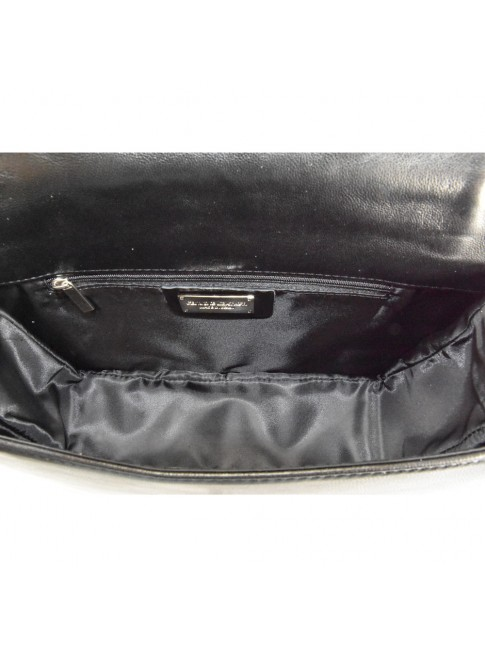 Woman leather bag with chain strap