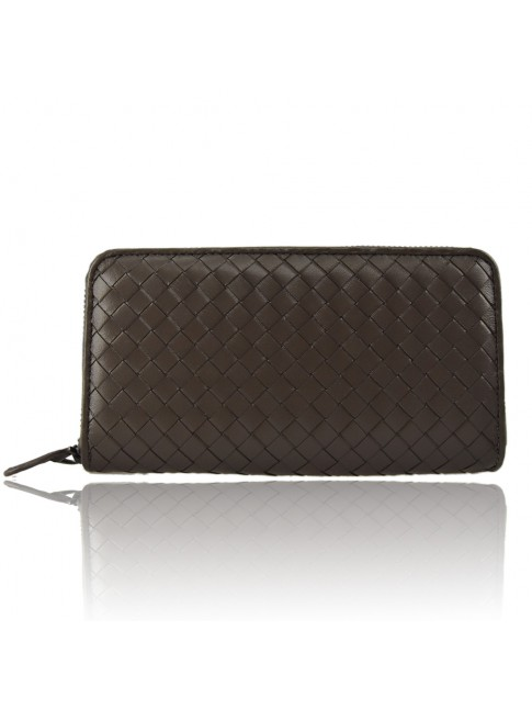 Woman woven leather wallet