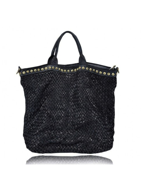 Woman woven leather bag