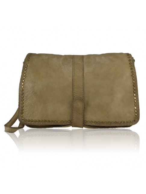 Woman washed leather pochette